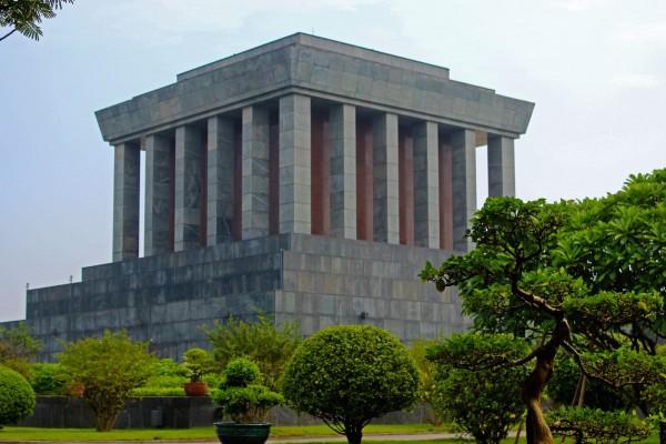 Ho Chi Minh Mausoleum, Hanoi, Dong Xuan Market