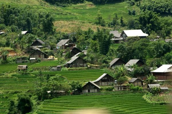 Lac Village, Mai Chau, Mai Chau Tour
