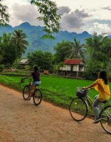 Poom Coong Village , Mai Chau Travel Guide, Mai Chau Tour