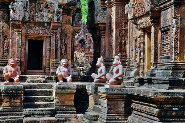 Banteay Srei Temple, Banteay Srei Temple in Siem Reap, Cambodia Travel Guide