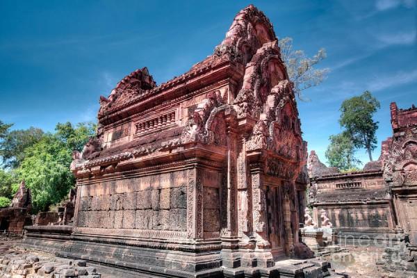 Banteay Srei Temple, Banteay Srei Temple in Siem Reap, Holidays