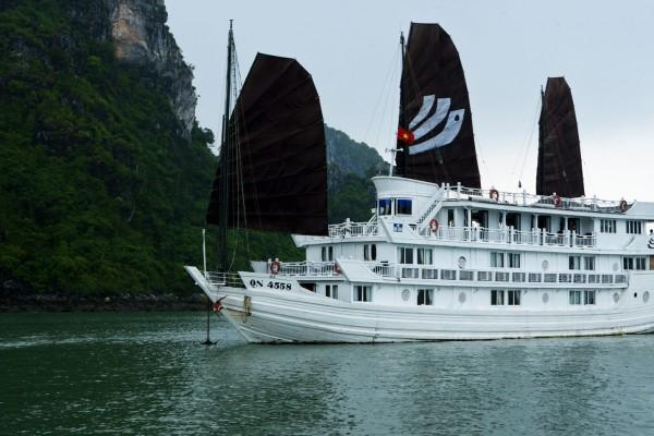 Bhaya Cruise, Halong Bay, Halong Bay Boat Trip