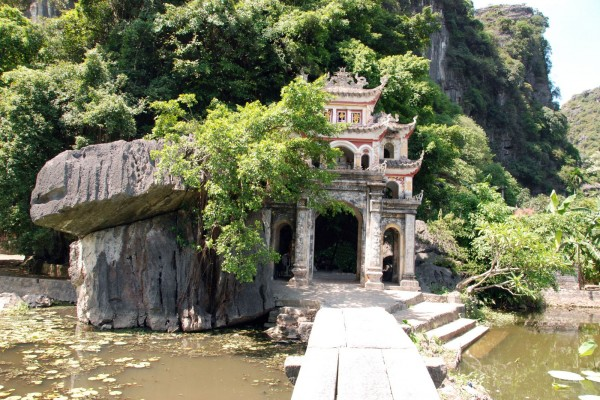 Bich Dong Cave, Bich Dong Cave in Ninh Binh