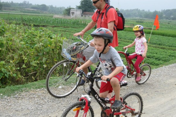 Bike Tour in Moon Garden, Moon Garden Tour, Moon Garden Travel