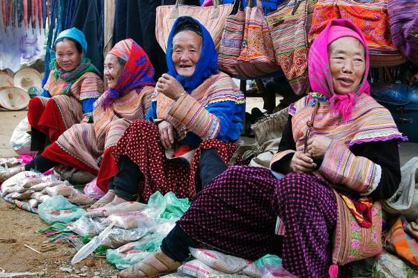 Can Cau Market, Lao Cai, Lao Cai Tour
