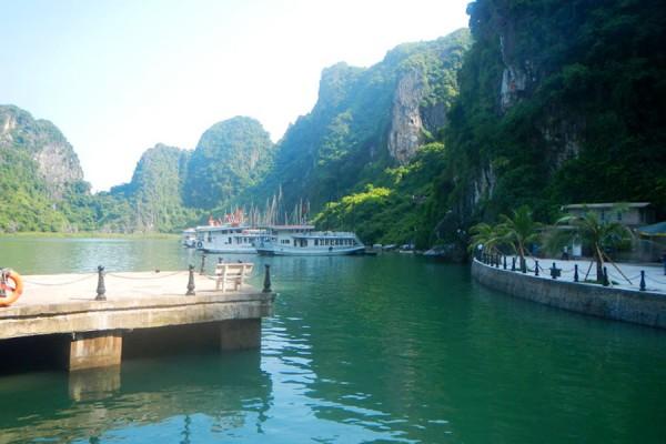 Dau Go Cave, Halong Bay
