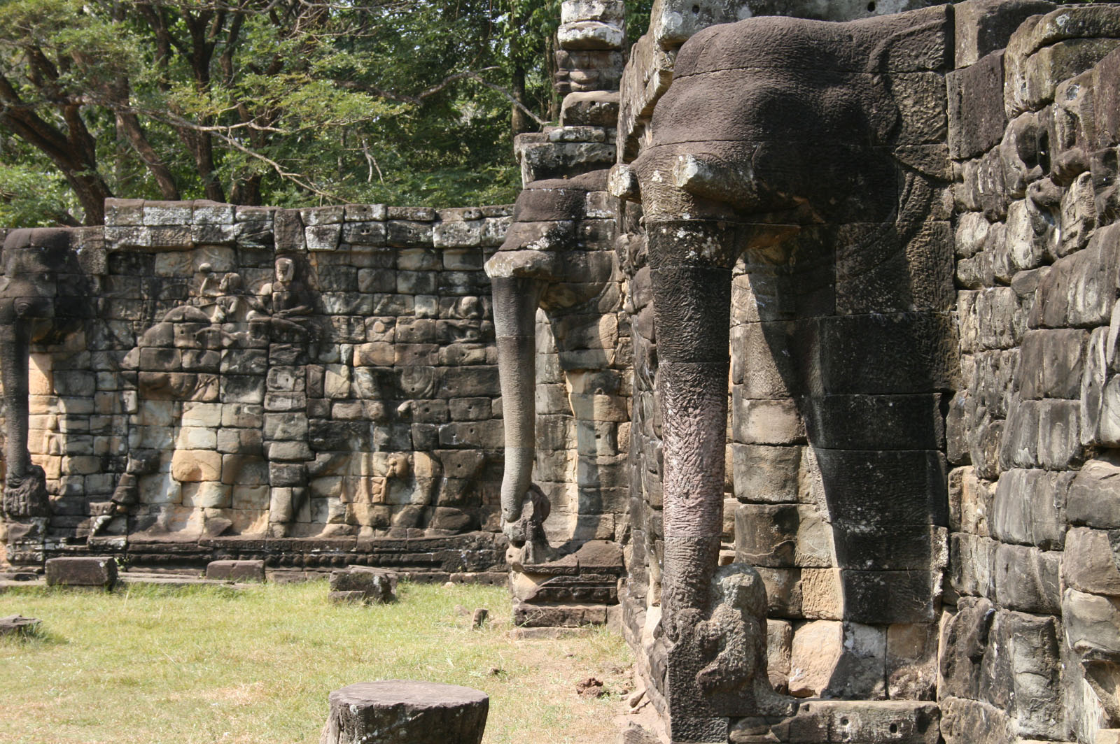 Angkor temples full day trip all tours of cambodia for Terrace of the elephants