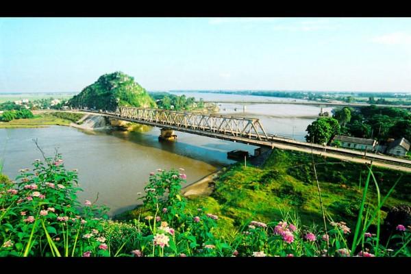 Ham Rong Bridge, Thanh Hoa, Thanh Hoa Tour