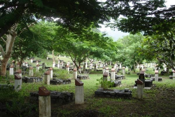 Hang Duong Cemetery, Con Dao Island
