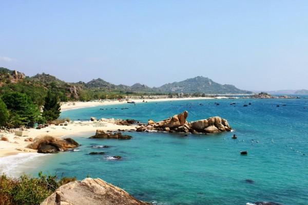 Hon Bay Canh Beach, Con Dao Island