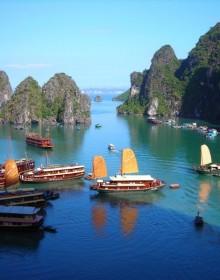 Hon Gai Harbour, Halong Bay, Sung Sot Cave