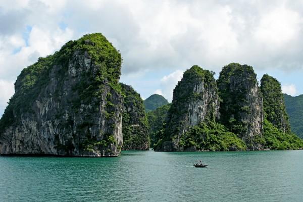 Dinh Huong Islet, Halong Bay, Halong Bay Tour