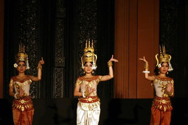 cambodia dance tour, tour angkor wat, angkor wat tour