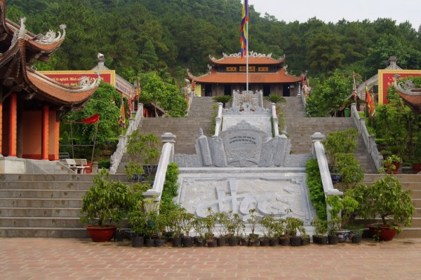 Kiep Bac Temple, Hai Duong, Hai Duong Travel