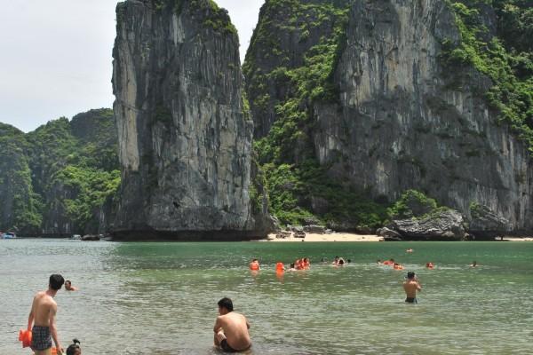 Lan Ha Bay, Halong Bay, Halong Tour