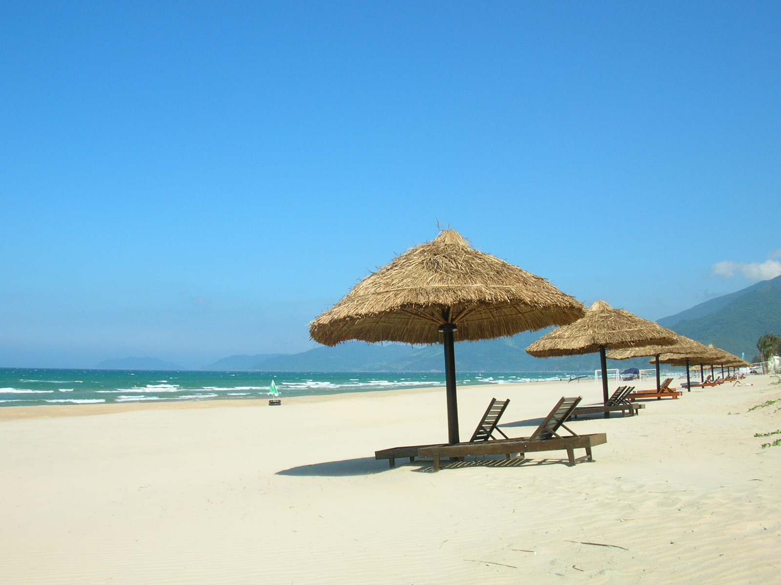 My Khe Beach Travel Guide  Tips And Tours  Danang Holidays