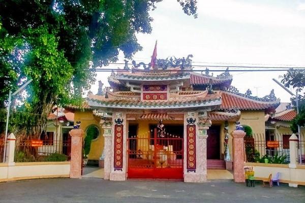 Nguyen Trung Truc Temple, Phu Quoc Island, Phu Quoc Beach, Kien Giang Travel Guide