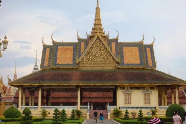 royal place cambodia, travel to cambodia