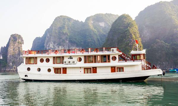 Oriental Sail Cruise, Halong Bay, Halong Bay Boat Trip