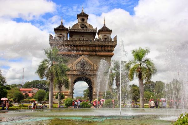Patuxay Monument, Patuxay Monument in Vientiane, Vientiane