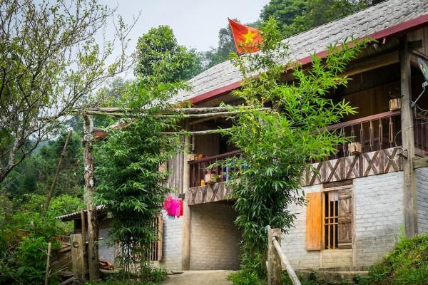 House of the Ta Phin Village, Ta Phin Village