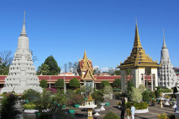 Silver Pagoda, how travel to Cambodia, Silver Pagoda in Phnom Penh, Phnom Penh Pagoda