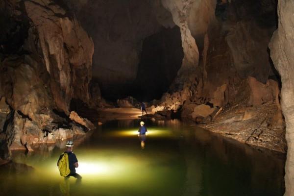 Toi Caves , Phong Nha Caves, Quang Binh