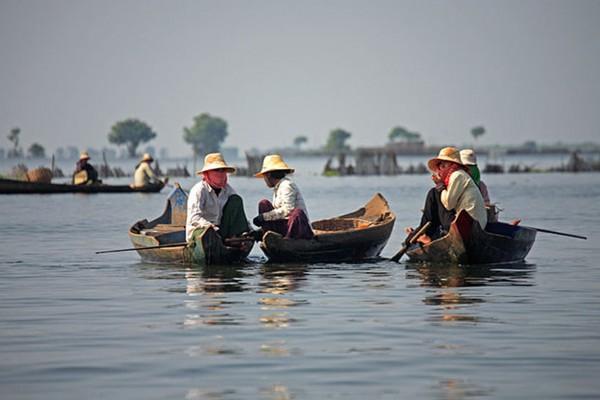 Tonle Sap Lake, Tonle Sap Lake in Siem Reap, Vietnam, travel, tours