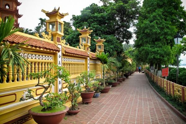 Tran Quoc Pagoda, Tran Quoc Pagoda Travel, Hanoi Pagoda