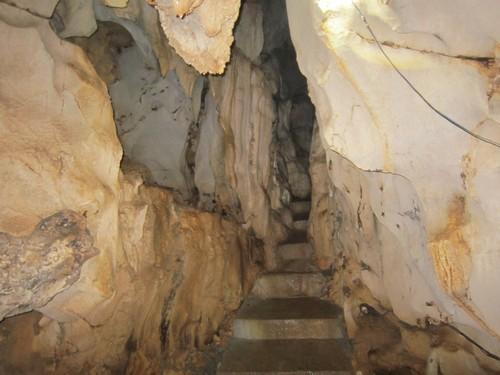 Trung Trang Cave, Cat ba Island