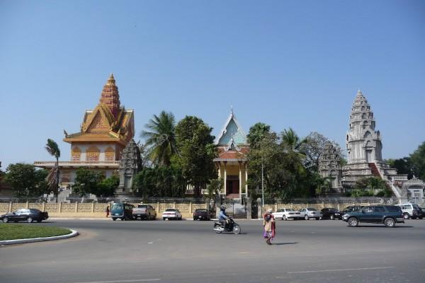 Wat Ounalom Monastery, Phnom Penh, Phnom Penh Tour