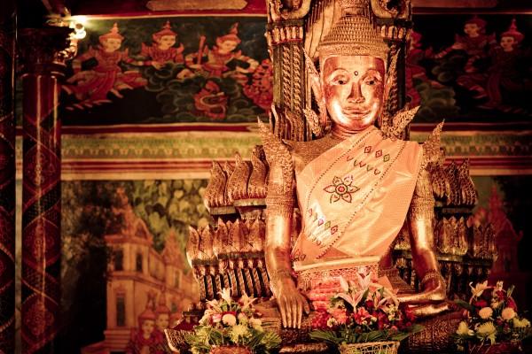 Buddha in Wat Phnom, Wat Phnom, Wat Phnom in Phnom Penh