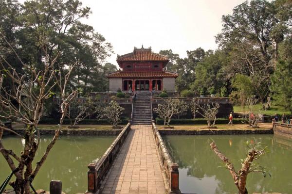 Minh Mang Tomb, Minh Mang Tomb in Hue, Hue Tour
