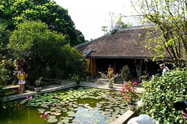 hue cheap tour, luxury tour in hue city vietnam, vietnam travel agent