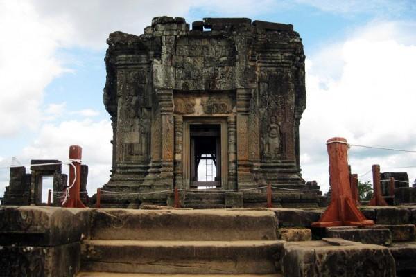 Phnom Bakheng Hill Temple, Phnom Bakheng Hill Temple in Siem Reap