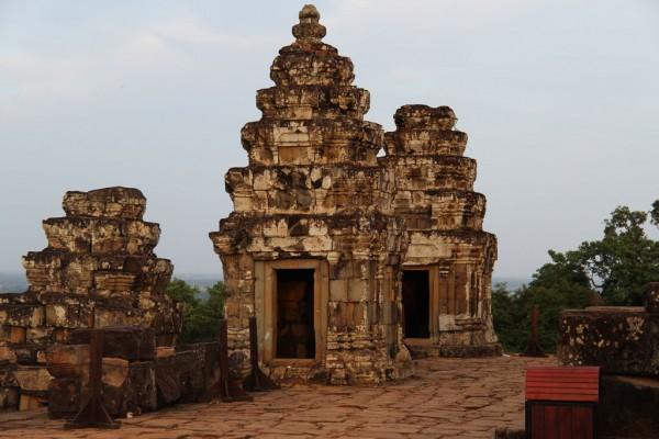 Phnom Bakheng Temple