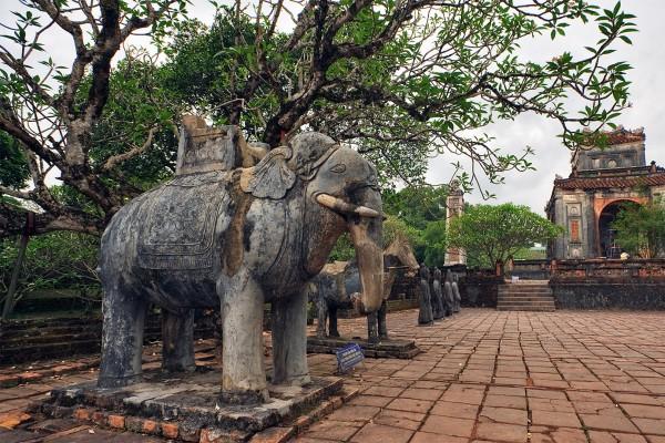 Tu Duc Tomb, Minh Mang Tomb, Hue Tour