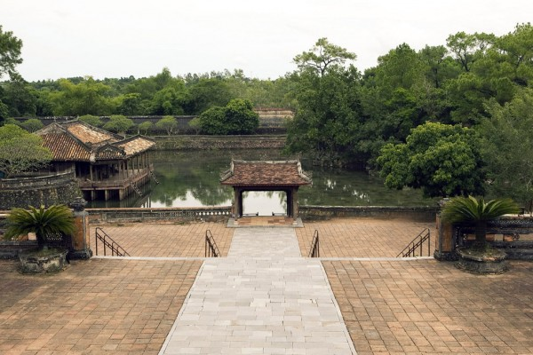 Tu Duc Tomb, Tu Duc Tomb in Hue, Hue Travel Guide
