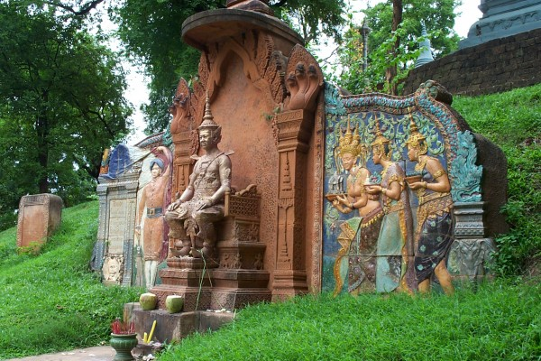 Wat Phnom, Wat Phnom Travel Guide, Wat Phnom Tour