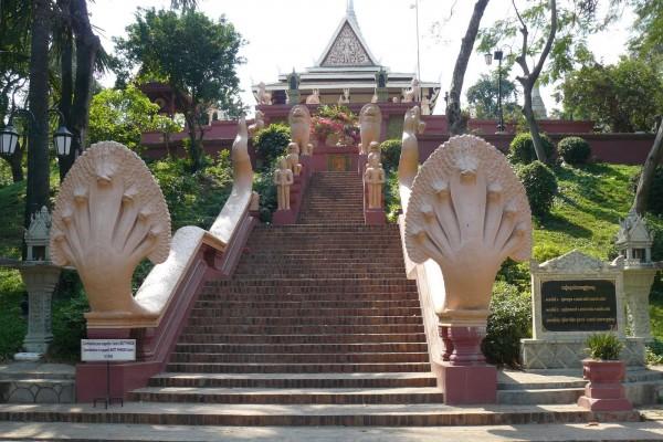 Wat Phnom, Wat Phnom Tour, Wat Phnom Highlight, Thailand