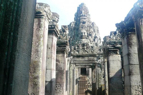 Bayon Temple, angkor temple, tour to bayon temple, cambodia tour