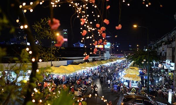 ben thanh market travel, best of saigon, vietnam travel