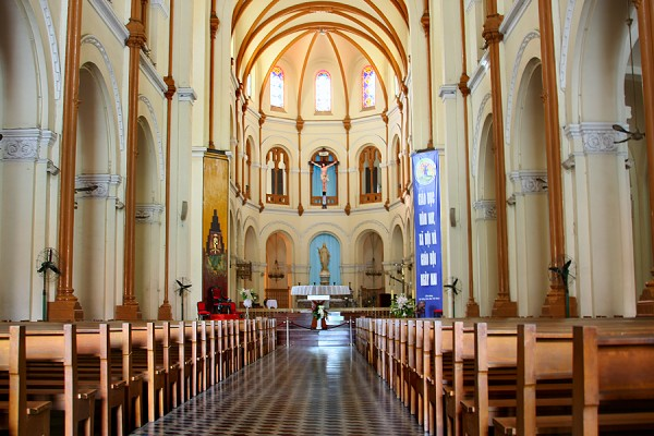 Saigon Notre Dame Cathedral, saigon tour, tour to saigon, vietnam tour, vietnam travel,