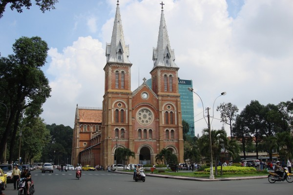 Notre Dame Cathedral saigon, saigon tour, tourist sights in saigon