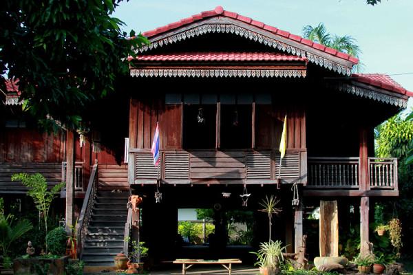 Ban Sao Nak, Lampang, Thailand, Travel