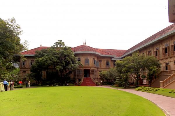 Vimarnmek Museum, Vimarnmek Museum in Bangkok, Bangkok Tour