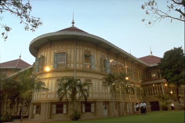 Vimarnmek Museum, Vimarnmek Museum in Bangkok, Bangkok Beach, Bangkok City Tour