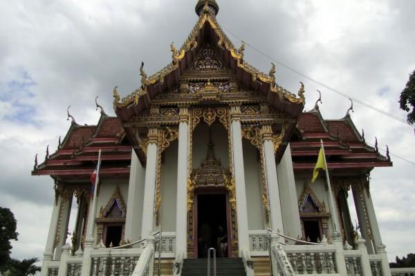 Wat Chai Mongkol, Wat Chai Mongkol in Pattaya, Holidays
