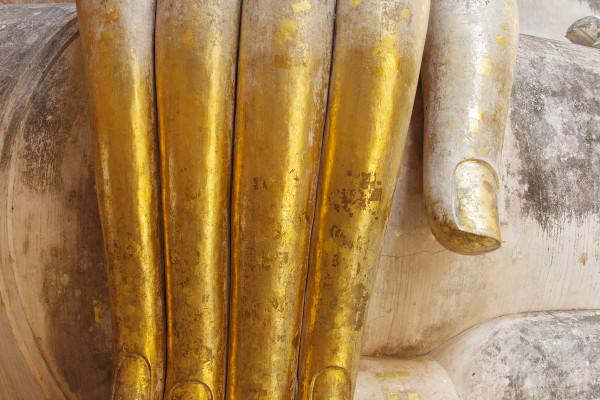 Wat Si Chum Buddha Fingers