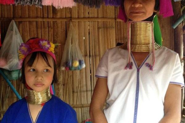 Girls in Ban Nai Soi
